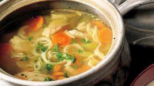 sopa-de-pollo-con-fideos