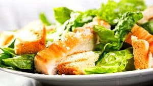 ensalada-cesar-con-pollo