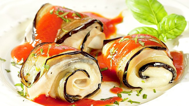 rollitos-de-berenjena-con-mozzarella