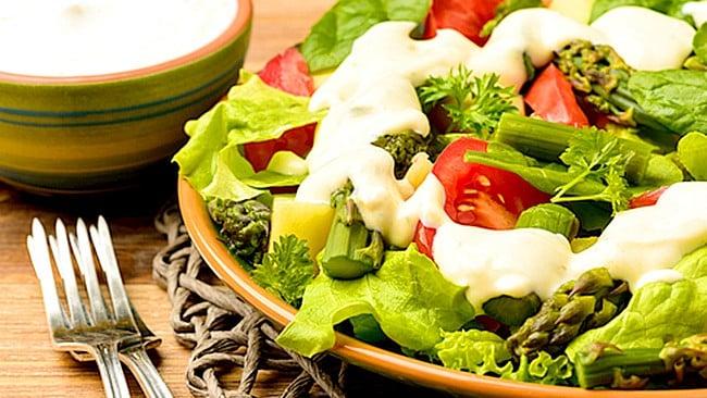 salsa-de-yogurt-para-ensalada