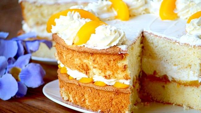 torta-de-duraznos-con-crema