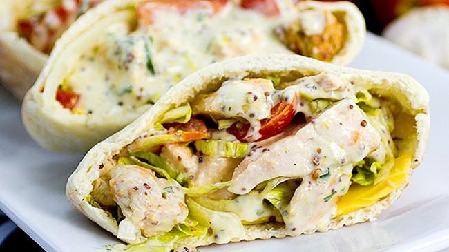 sandwich-de-pollo-en-panpita