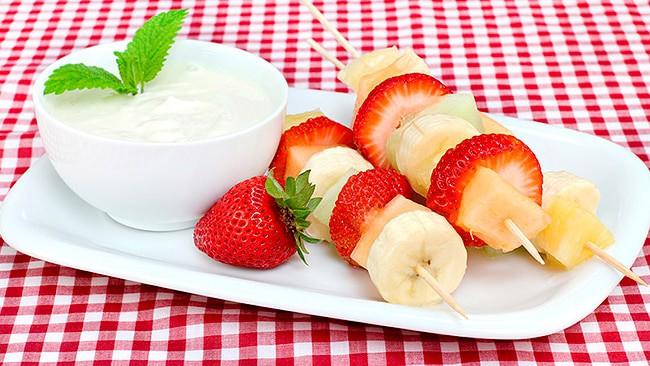 pinchos-de-fruta