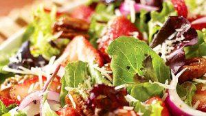 ensalada-verde-con-vinagreta-de-fresa