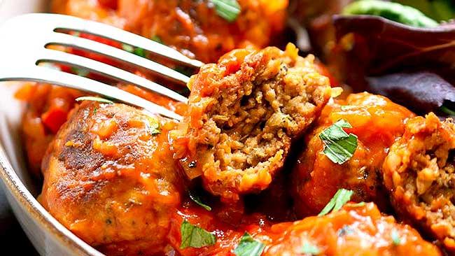 albondigas-veganas-de-tempeh-en-salsa