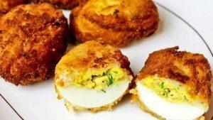 huevos-rellenos-rebozados
