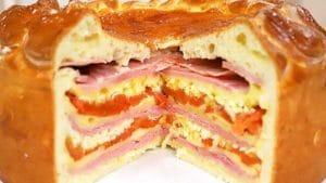 tarta-alta-de-jamon-queso-tomate-y-huevo