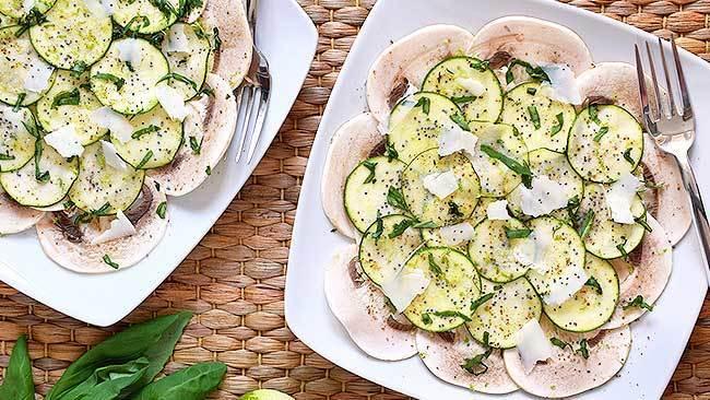 carpaccio-de-champinones-y-calabacin-marinado