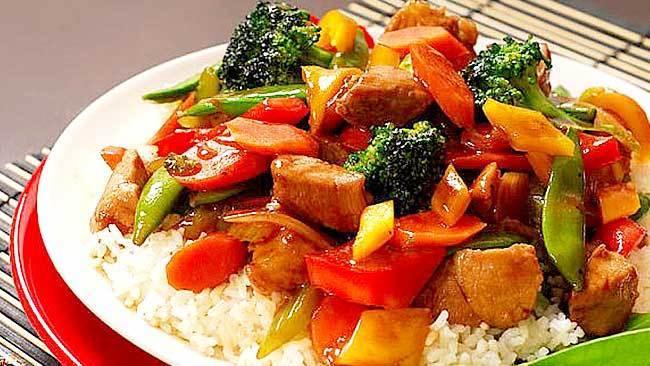cochino salteado con vegetales