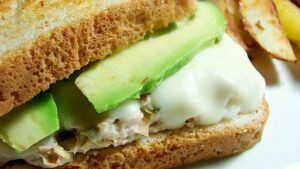 sandwich-de-aguacate-y-cremadeberenjena