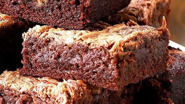 brownie-de-cambur-con-mantequilla-de-mani